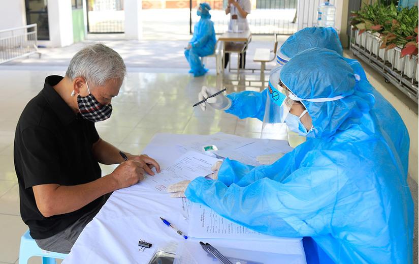 Hà Nội yêu cầu toàn bộ đại biểu dự Đại hội Đảng về từ vùng dịch phải xét nghiệm PCR