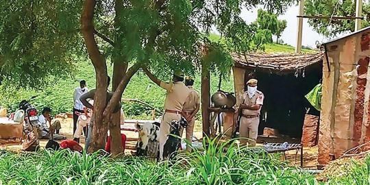 Ấn Độ: Phát hiện gia đình 11 người chết bí ẩn trong đêm