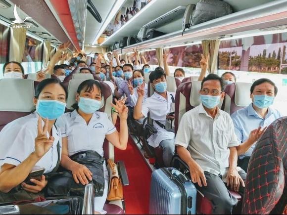 Thừa Thiên-Huế ra quân bác sĩ, điều dưỡng tình nguyện vào hỗ trợ Đà Nẵng