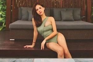 Lần đầu đăng ảnh diện bikini sau hôn lễ, Phanh Lee bị nhận xét cực 'phũ'