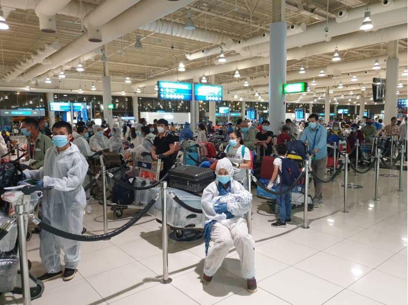 Đưa hơn 260 công dân Việt Nam từ UAE về nước