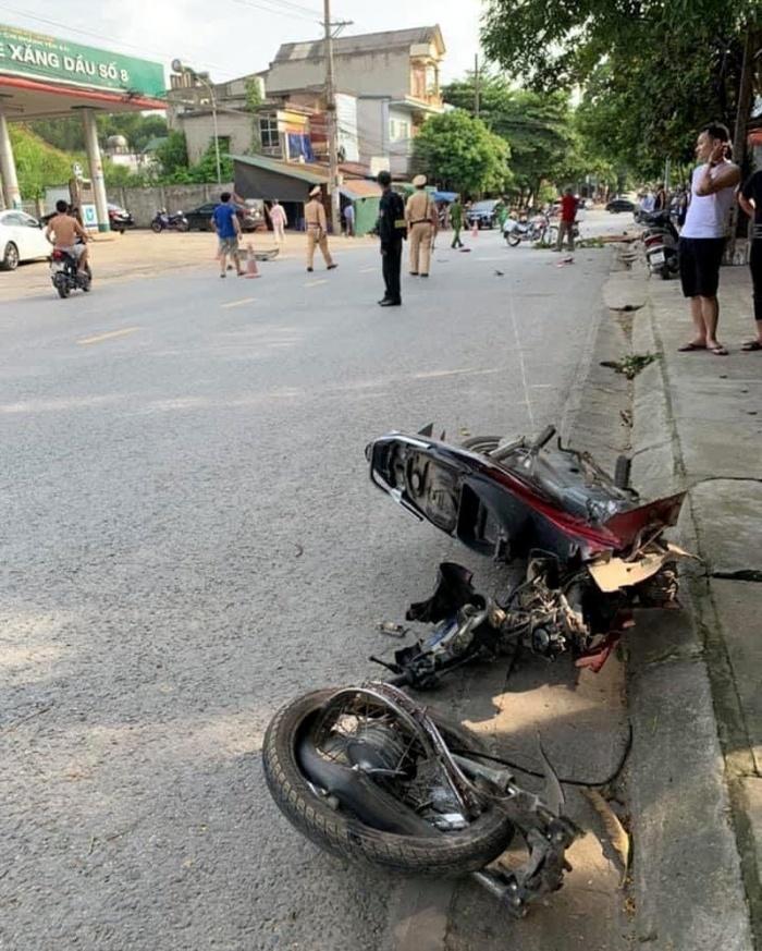 Hiện trường vụ tai nạn khiến anh Quân tử vong tại chỗ