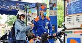 Giá xăng dầu hôm nay 11/8: Dầu thô hồi phục do USD trượt giá không phanh