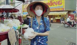 Giữa ồn ào phát ngôn của Tuyền Mập, Thủy Tiên thản nhiên mặc đồ bộ đi chợ
