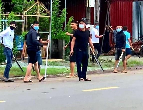 Bắt thêm nhiều đối tượng 'giang hồ' vụ hỗn chiến thanh toán nhau ở Đồng Nai