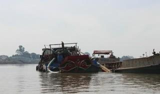 Truy bắt 'cát tặc', Phó công an xã rơi xuống sông tử vong