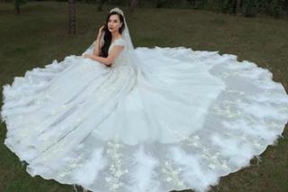 Hậu chia tay Chí Nhân, MC Minh Hà bất ngờ tung ảnh mặc váy cưới