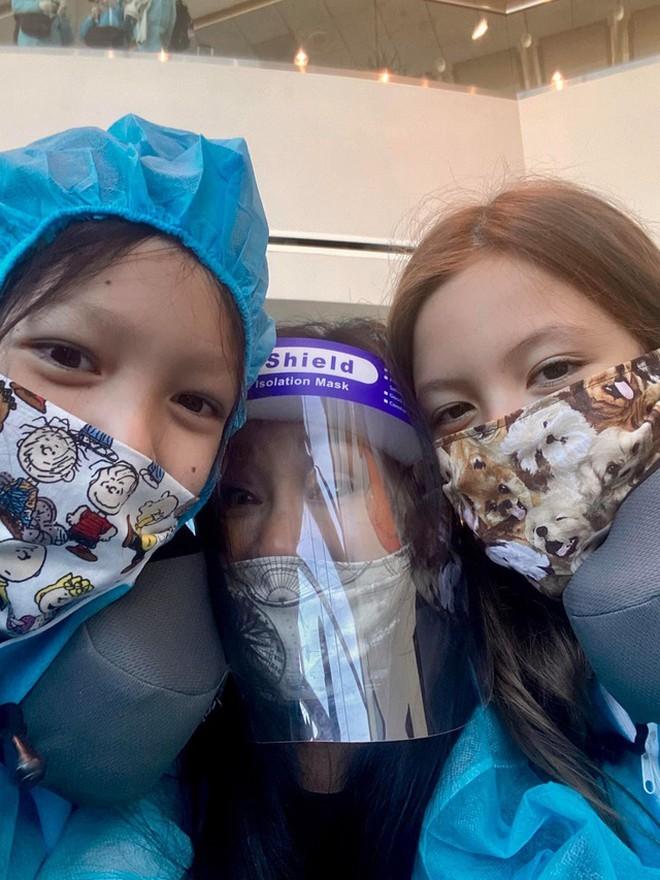 Diva Hồng Nhung và hai con song sinh hoàn thành 14 ngày cách ly