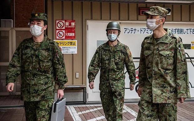Nhật báo động việc lây nhiễm Covid-19 trong quân đội