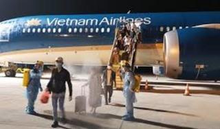 Đưa hơn 340 người Việt từ nhiều bang ở Mỹ về nước