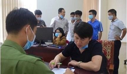 Phạt 140 triệu và trục xuất 7 người Trung Quốc thuê khách sạn để đánh bạc