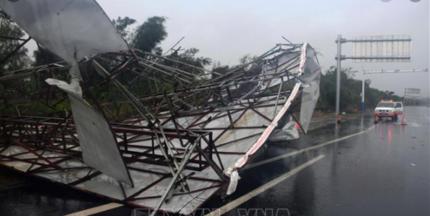 Tin tức thế giới 12/8: Bắc Kinh hủy hàng trăm chuyến bay do mưa bão