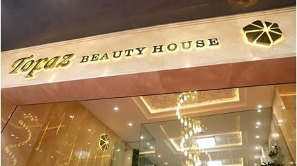 Thẩm mỹ viện Topaz Beauty ở Bà Triệu bị khách hàng 'tố' làm hỏng mũi và mí mắt