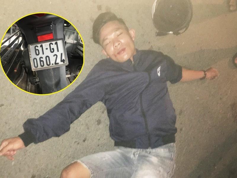 Tài xế mở cửa ô tô, lao vào bắt thanh niên cướp giật đi SH
