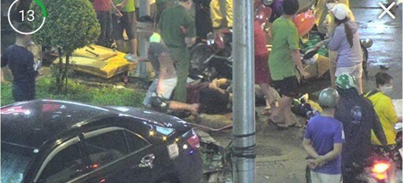 Nữ tài xế lái Camry húc 8 xe máy ở Sài Gòn, người bị thương la liệt