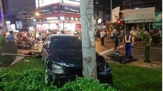 Tin tức tai nạn giao thông ngày 14/8: Đạp nhầm chân ga, nữ tài xế đâm nhiều người bị thương
