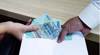 Truy tố cựu đại úy công an nhận hối lộ từ gia đình bị can