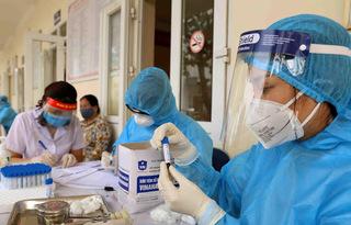 Bệnh nhân Covid-19 được ra viện, về đến quê Bắc Giang lại dương tính