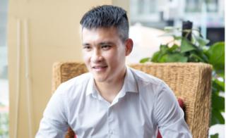 Lê Công Vinh: 'Văn Hậu không được ra sân ở Hà Lan vì đá ở vị trí hậu vệ'