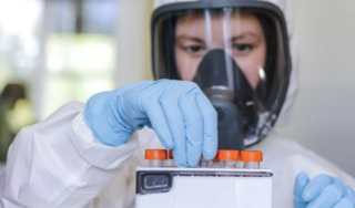 Trung Quốc muốn thử nghiệm chung vắc xin Covid-19 với Nga