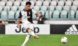 HLV Pirlo gọi điện trấn an tiền đạo C.Ronaldo