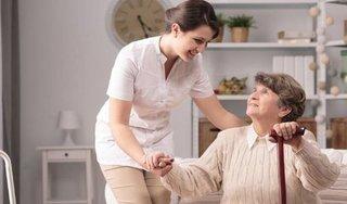 Hà Nội khuyến cáo người cao tuổi không ra ngoài đường nếu không cần thiết