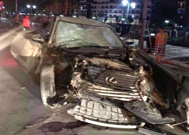 'Lexus điên' tông liên hoàn trên phố đi bộ Hải Phòng, 1 người tử vong