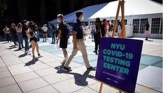 Mỹ: Sinh viên xét nghiệm Covid-19 trước khi vào trường ĐH