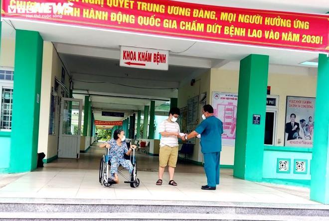 Thêm 2 bệnh nhân Covid-19 khỏi bệnh, có một trường hợp là bác sĩ Bệnh viện Đà Nẵng