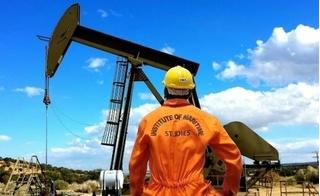 Giá xăng dầu 21/8: Tiếp tục giảm do tồn kho tăng cao