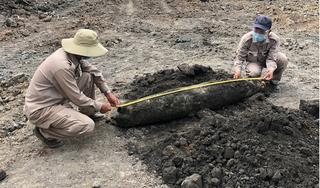 Phát hiện quả bom nặng hơn 200 kg ở mỏ khai thác đá