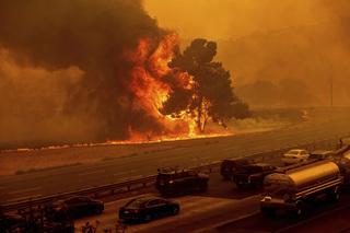 Tin tức thế giới 21/8: Hơn 10.000 vụ sét đánh khiến cháy rừng tại California lan rộng