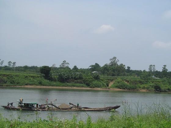 Sông Thạch Hãn đoạn qua xã Hải Lệ