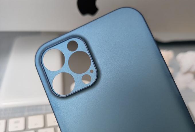 Nắp lưng được cho là của iPhone 12 Pro Max