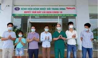 Bé gái 10 tuổi ở Lạng Sơn cùng 5 bệnh nhân Covid-19 được xuất viện
