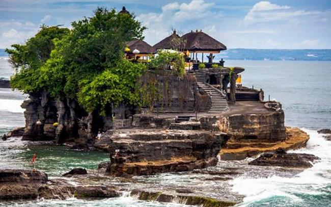 Indonesia hủy kế hoạch mở cửa trở lại 'thiên đường' du lịch Bali