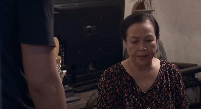 Lựa chọn số phận tập 48: Mẹ Cường quyết định bán nhà vì sợ gia đình gặp nguy hiểm