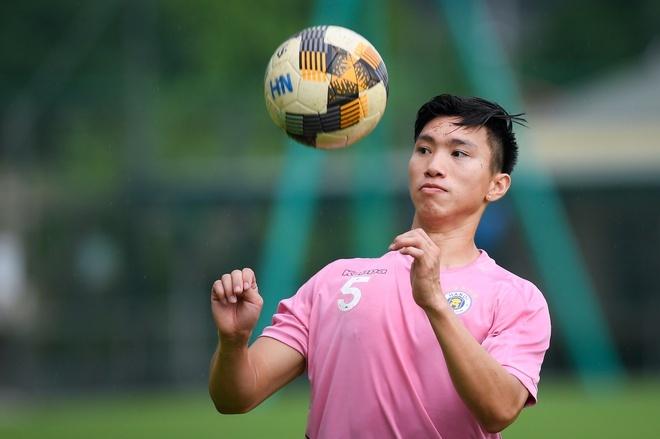BLV Quang Huy đồng ý với quyết định của HLV Park Hang Seo