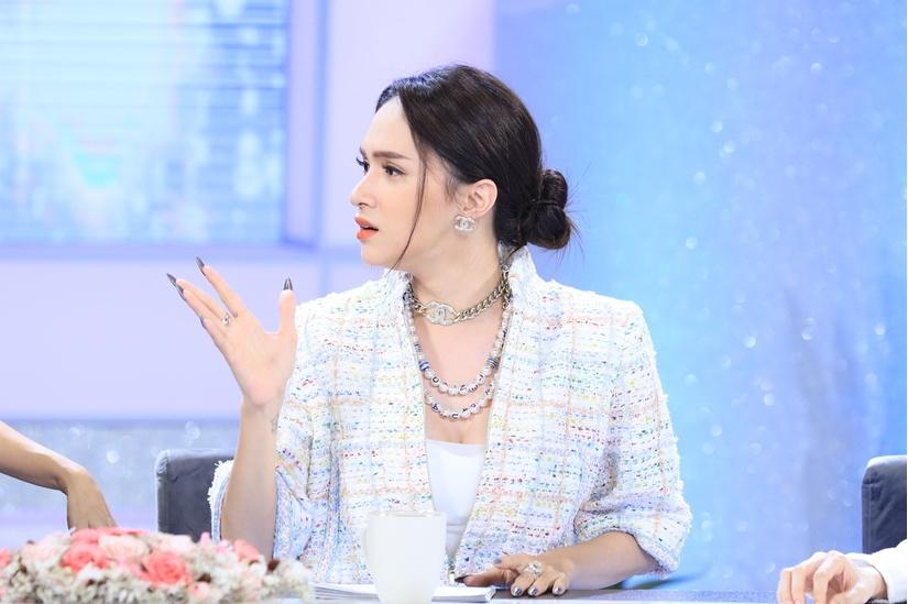 Bị đồn nghỉ chơi Bích Phương Hương Giang giải thích