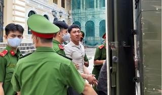 Kẻ giết 2 người trong quán cháo vịt bật khóc khi lãnh án tử hình
