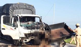 Xe ba gác bốc cháy sau cú tông xe tải, tài xế tử vong tại chỗ