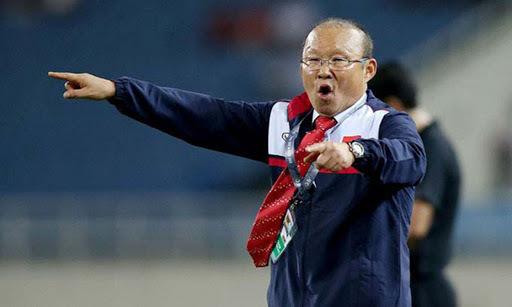 Trợ lý của HLV Park Hang Seo chê phóng viên Việt Nam thiếu chuyên nghiệp