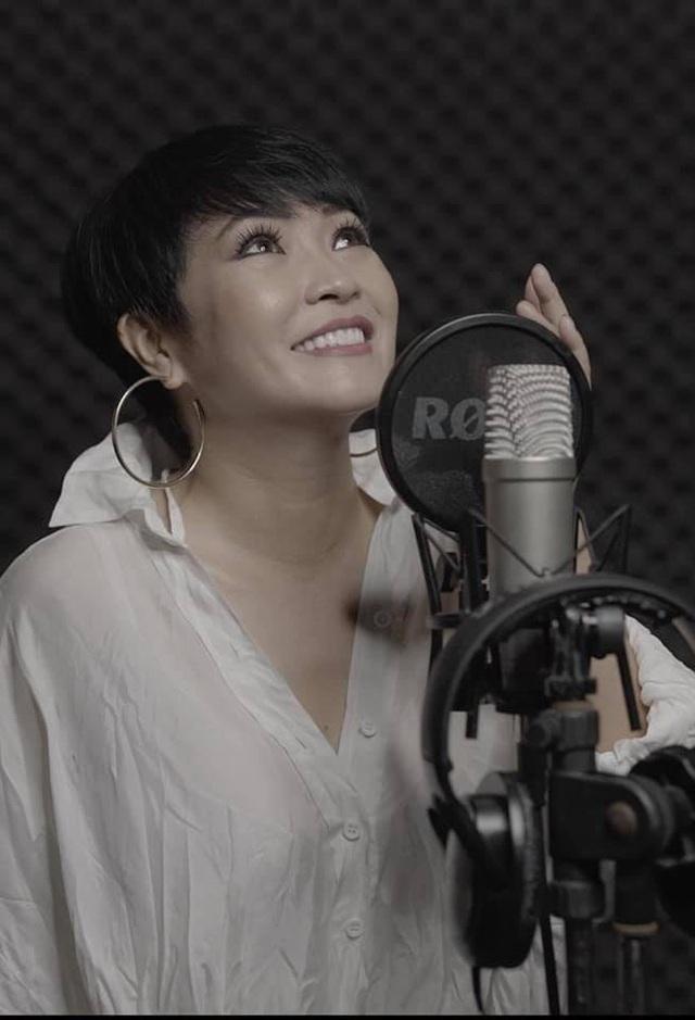 Không riêng Ca sĩ Phương Thanh mà rất nhiều sao Việt rơi vào tình cảnh 'dở khóc dở cười' khi luôn trong tình trạng bị xâm phạm quyền riêng tư.