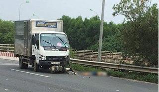 Đi ngược chiều trên đại lộ Thăng Long, thanh niên bị tông tử vong