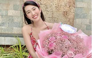 Mới nói lời yêu Trương Thế Vinh, Thúy Ngân đã đăng ảnh kỷ niệm ngày hẹn hò