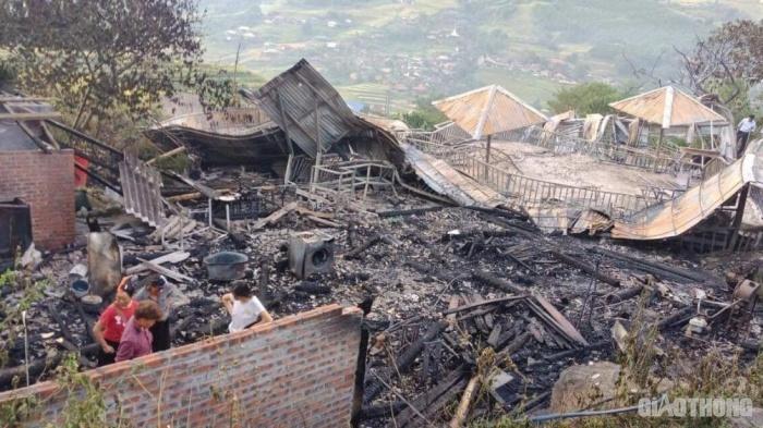 5 ngôi nhà trong khu nghỉ dưỡng ở Lào Cai bị thiêu rụi, 1 người tử vong