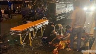 Tông vào ô tô dừng bên đường, tài xế xe tải tử vong trong cabin