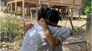 Ngày về đẫm nước mắt của cô gái Nghệ An sau 9 năm bị bán sang Trung Quốc