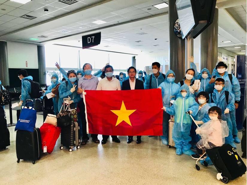 Đưa công dân Việt Nam từ Hoa Kỳ (Houston) về nước an toàn