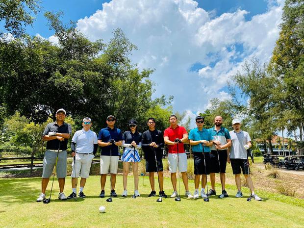 Bắt gặp hẹn hò ở sân golf, Hương Giang - Matt Liu nắm tay nhau tình tứ khiến fan phát hờn